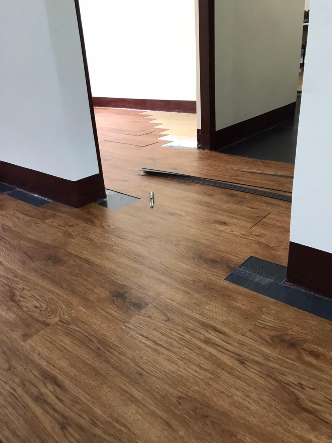 塑膠地板.窗簾壁紙工程⋯成品完工照-巧屋空間設計裝修,新店塑膠地板,新店窗簾,新店貼壁紙 (4)