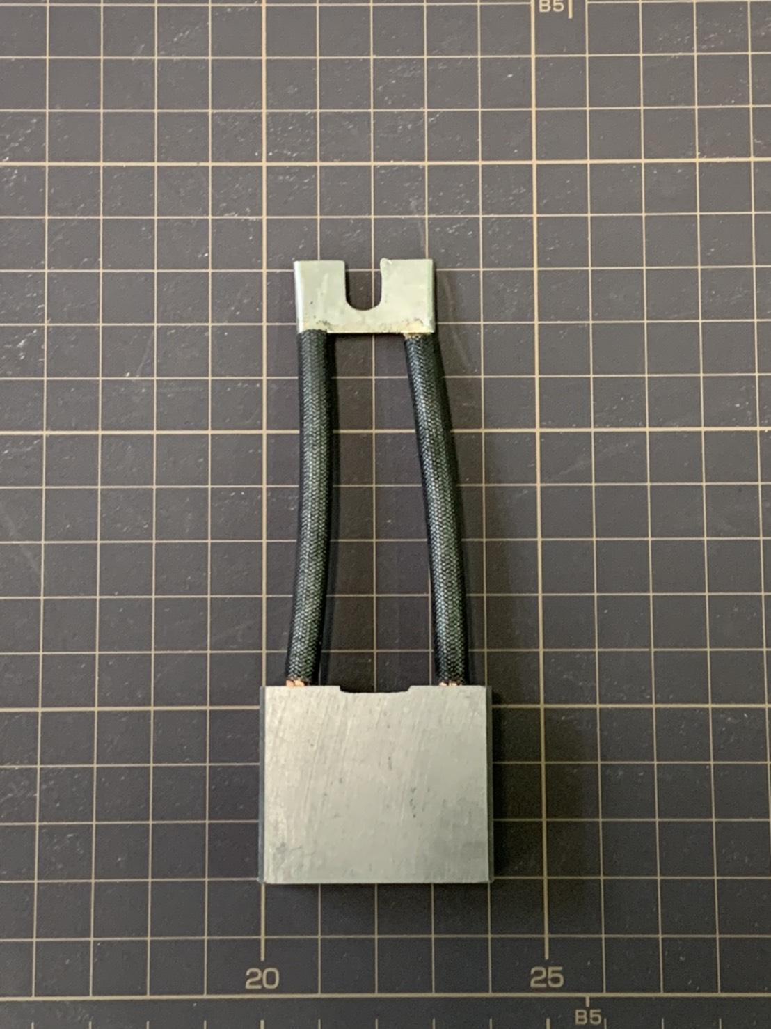 堆高機零件-碳刷 (3)