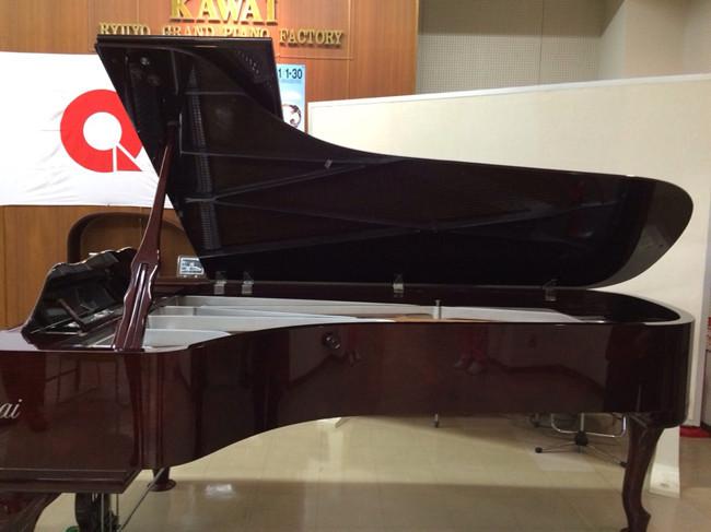 日本新宿KAWAI公司 參觀鋼琴5.jpg