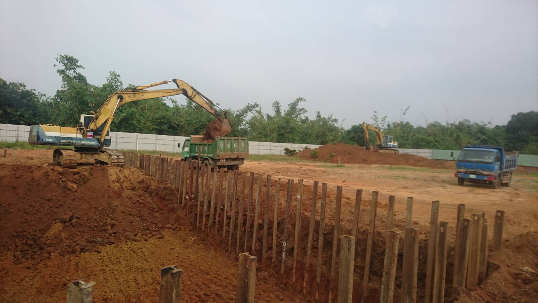 挖土機整地 (2)