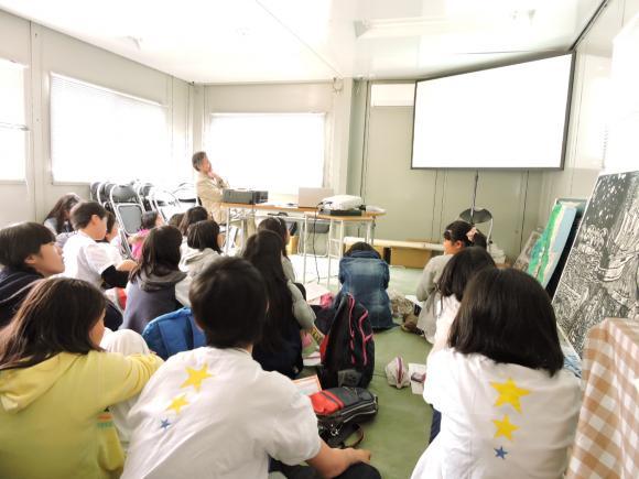 5月5日。今日もいい天気!!雄勝のローズガーデンに、徳水先生にお話を聞きにきました。