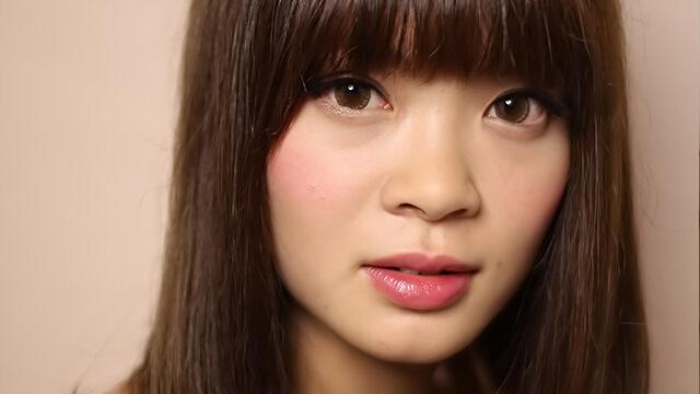 小顔に見せるポイントは前髪!自分に似合う髪型を見つける方法
