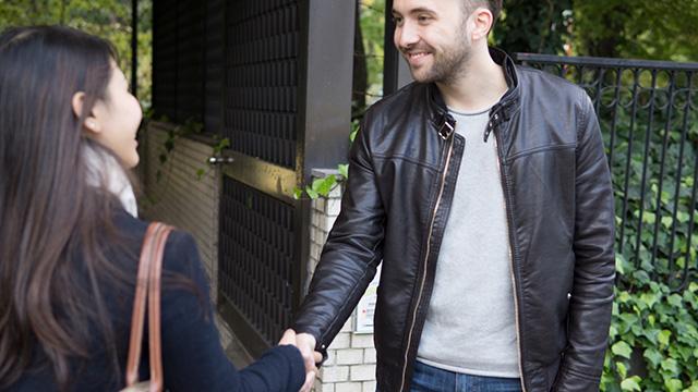 外国人と出会える恋活アプリは?