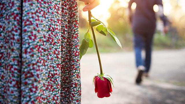 自己肯定感が低い女性の恋愛は短命に終わりがち!原因と対処法は?