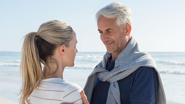 年上男性に恋しちゃった!片思いを叶える5つのコツとは?