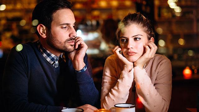 既婚者に言い寄られて迷惑!上手にかわす5つのテクとは?