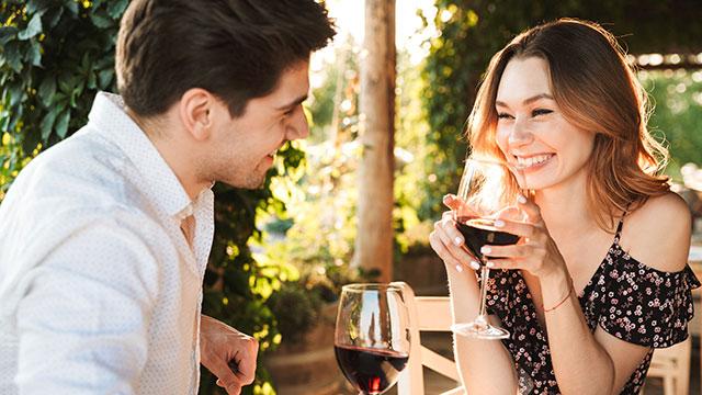 片思い中の彼とデートが決定!デート中に緊張しないですむコツとは?
