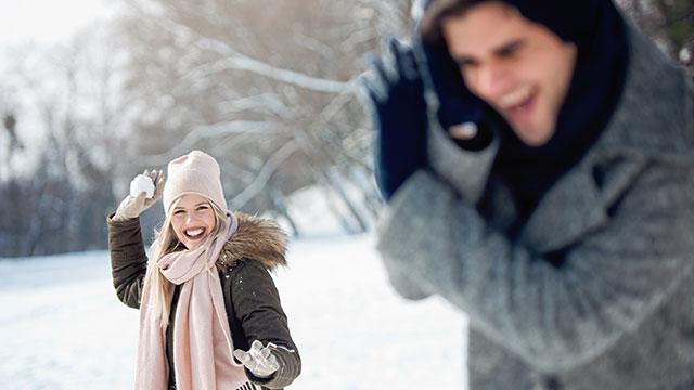 冬に使いたいのはコレ!男性に可愛いと思われる仕草5選