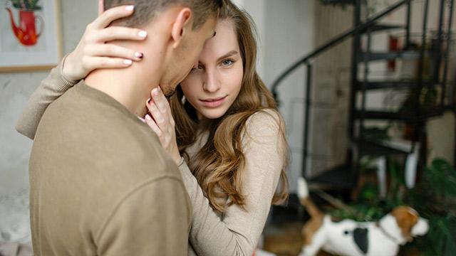 愛と執着はどう違うの?両者の大きな違いはこの5つ!