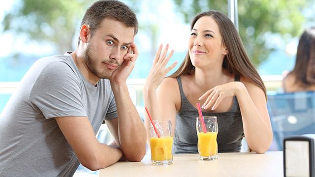 腹立つ!男をイラつかせる無神経な女性の特徴とは?