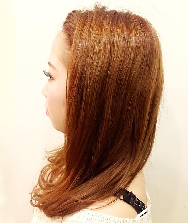 「カチューシャ風ねじり前髪アレンジ」の写真【左サイド】