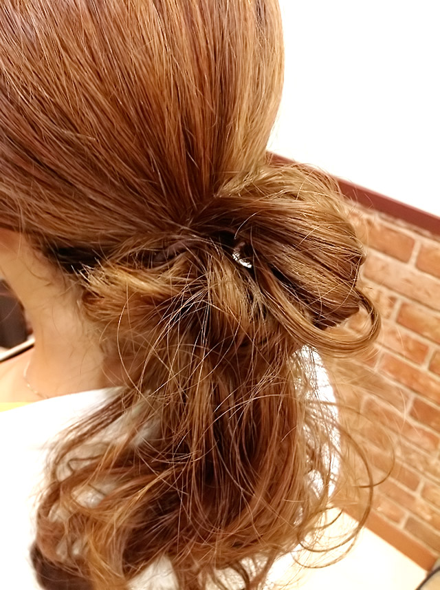 「夏を楽しむヘアアレンジ」の手順_3