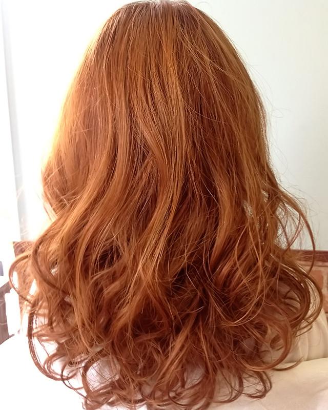 「夏の夜のデートヘアアレンジ」の写真【バック】