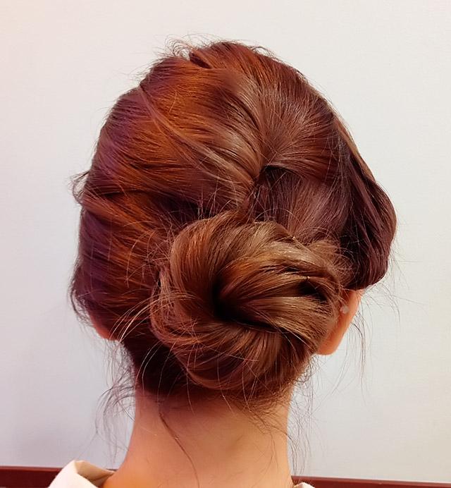 「浴衣に似合うヘアアレンジ」の写真【バック】