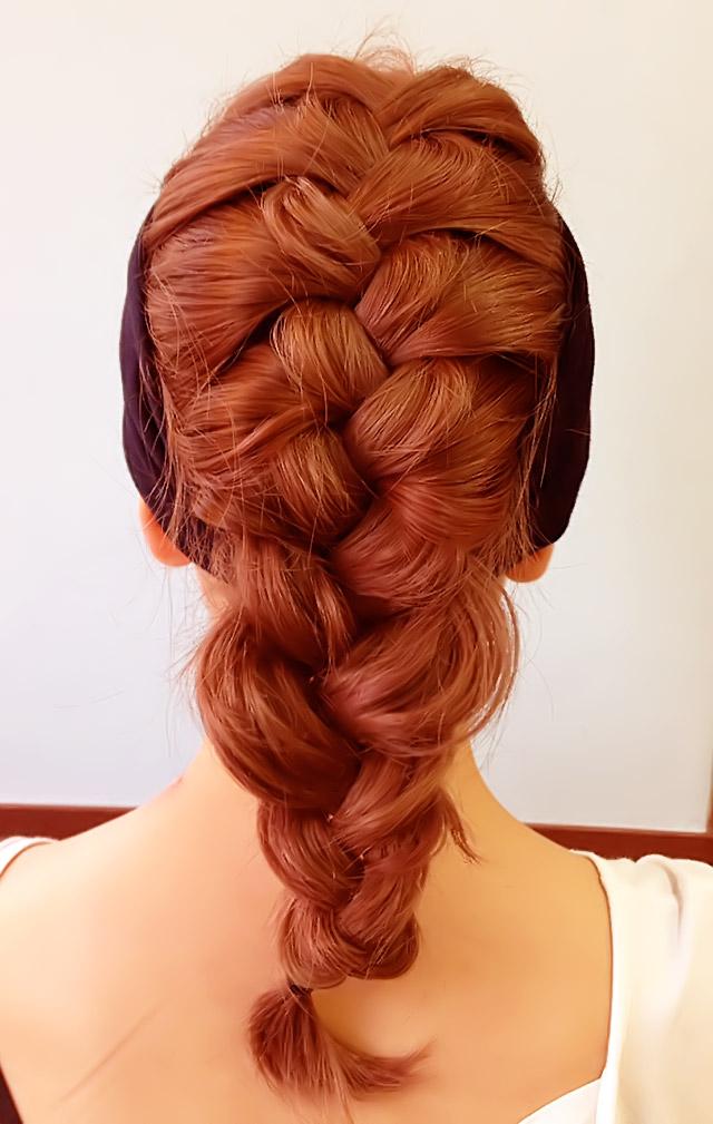 「汗をかいても大丈夫なヘアアレンジ」の写真【バック】