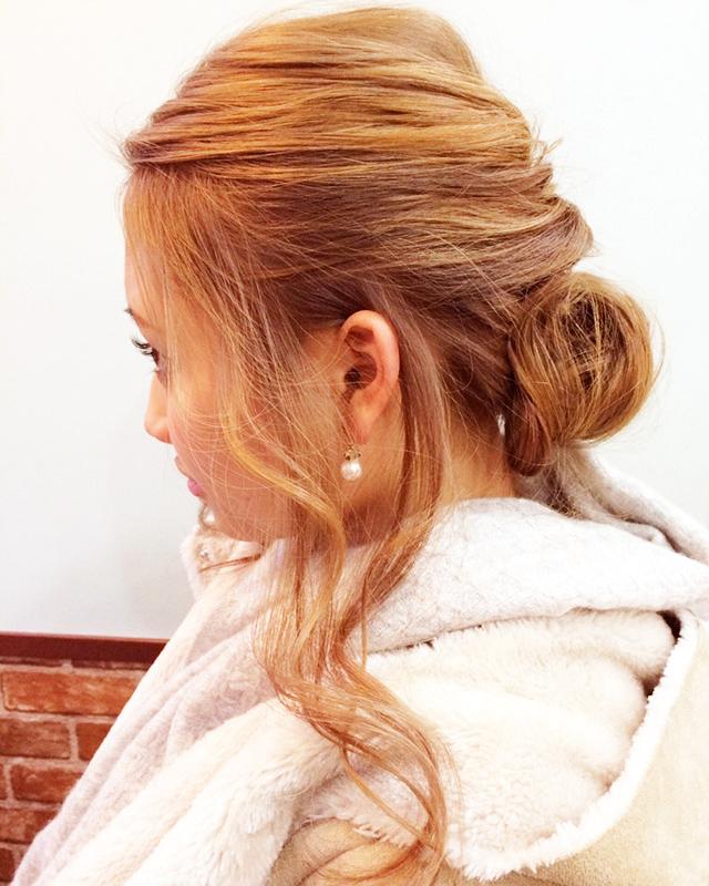 「見つめ合って3秒で落とすヘアアレンジ」の写真【サイド】