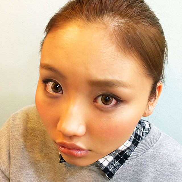 「クール美人ヘアアレンジ」の写真【正面】