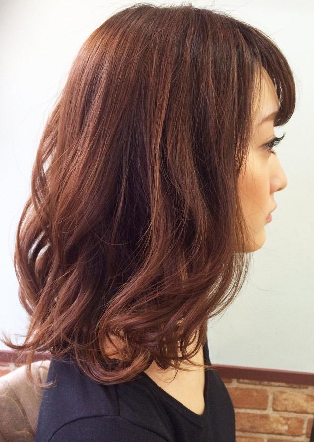 「痩せて見えるヘアアレンジ」の写真【サイド】