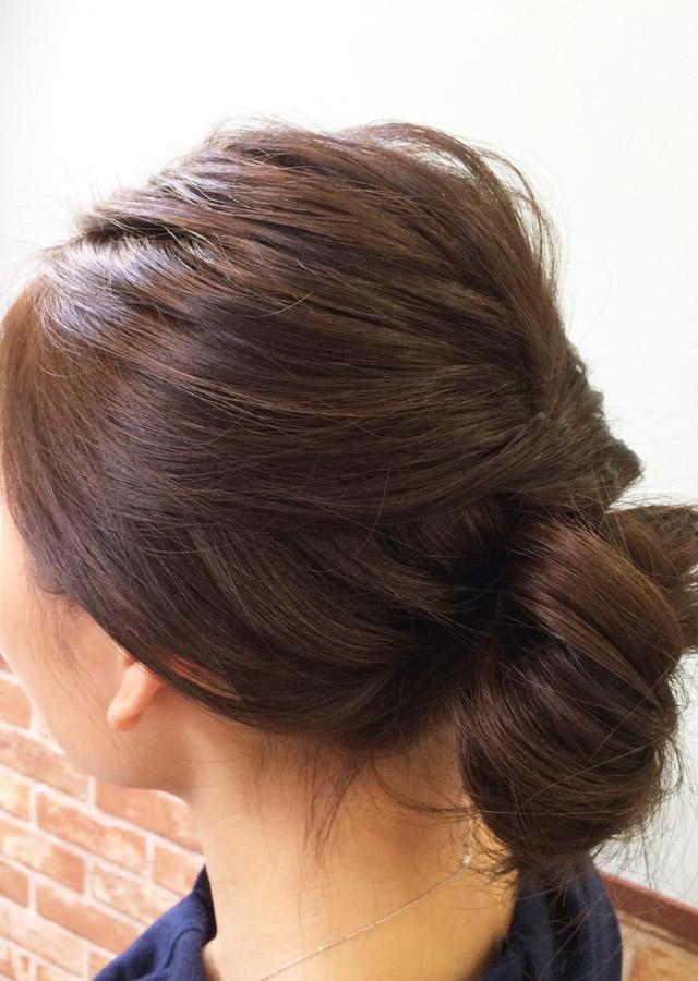 「お昼から夜にかけて変化するヘアアレンジ」の写真【サイド】