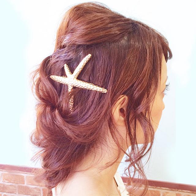 「シェルピンで海のお姫さまヘアアレンジ」の写真【サイド】