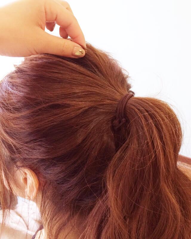 「色っぽすぎるロングヘアアレンジ」の手順_3
