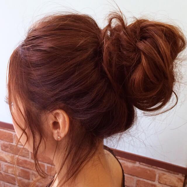 「色っぽすぎるロングヘアアレンジ」の手順_4