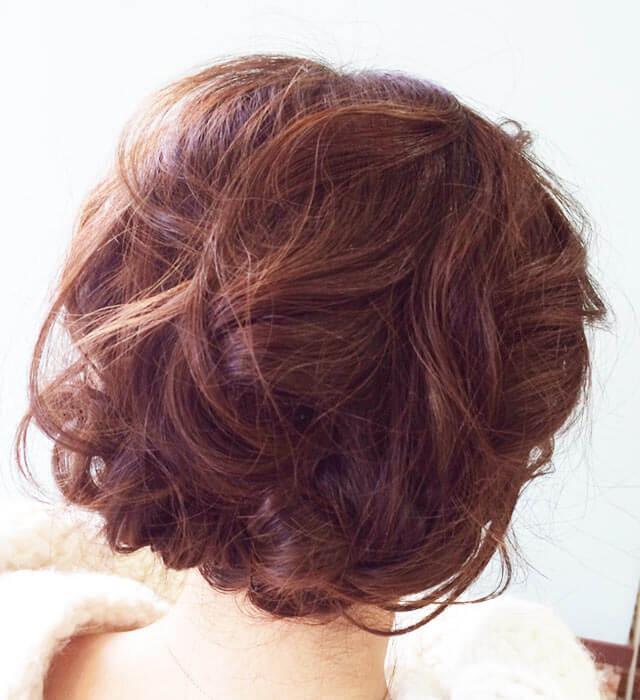 「ふわふわショートヘアアレンジ」の写真【バック】