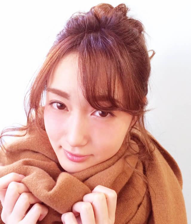 「簡単ゆるお団子ヘアアレンジ」の写真【正面】_1