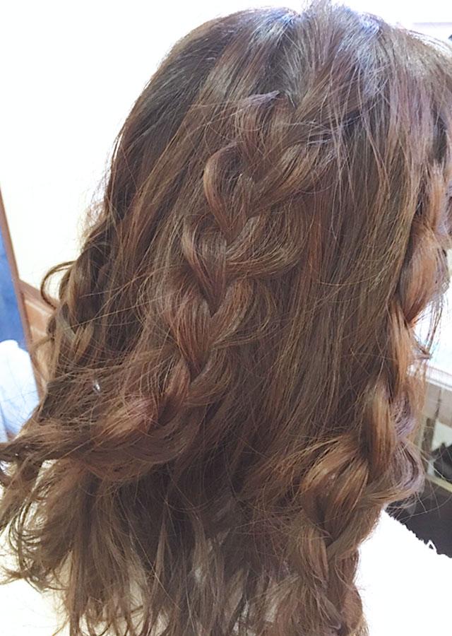 「春のときめきヘアアレンジ」の手順_4