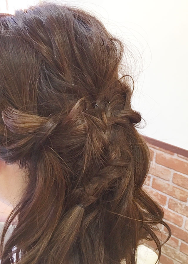 「春のときめきヘアアレンジ」の手順_5