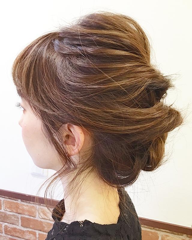 「結婚式・二次会に!自分で出来るパーティー用お呼ばれヘア」の写真【サイド】
