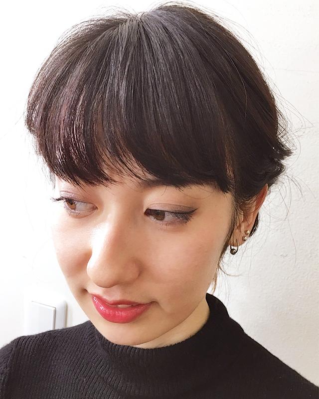 「ファーアクセを使ったふわもこヘアアレンジ」の写真【フロント】
