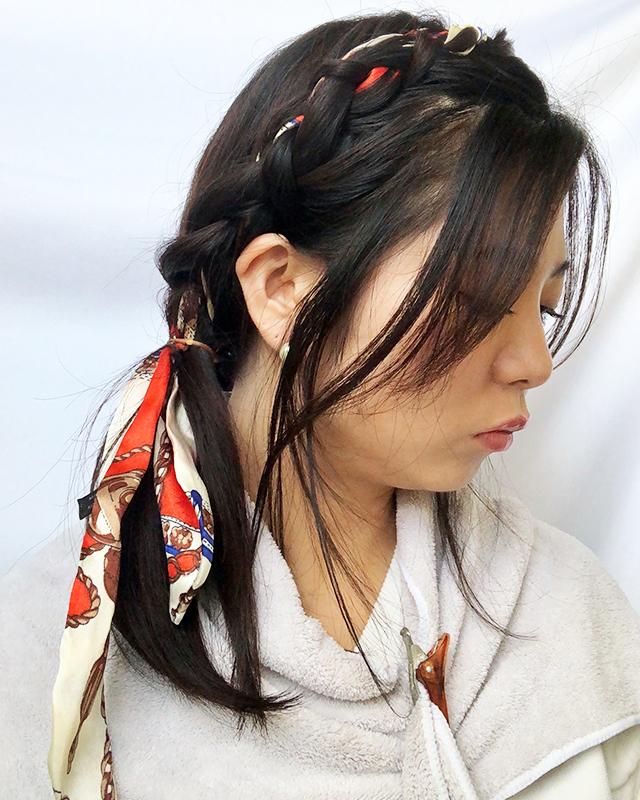 「スカーフの編み込みヘアアレンジ」の手順_6