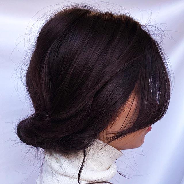 「コンプレックスは隠して色気を出すヘアアレンジ」の写真【サイド】