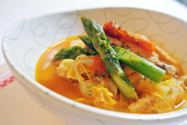 トマト野菜スープダイエットのおすすめレシピ~手羽先を使えば美肌効果もアップ