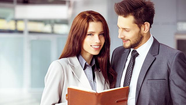 職場で出会いを期待する女性は多い!?「仕事×恋愛」のリアルな本音とは
