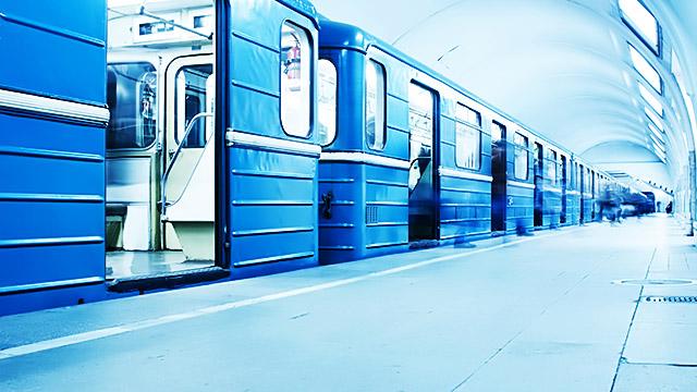 満員電車の中で席を譲った男性にきゅんとしたエピソード