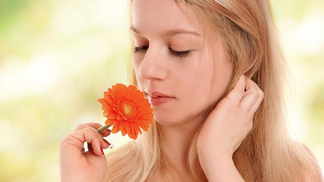 自分で気づきにくい体臭・口臭のセルフチェックと対策方法