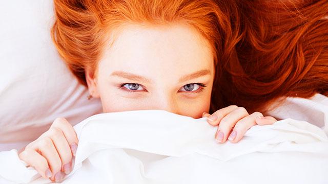 目の腫れ・まぶたのむくみ解消法!時間のない朝でもできる緊急腫れ目ケア
