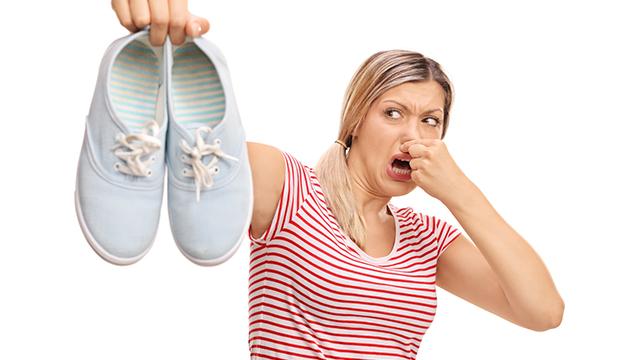 足の臭いを消すには「お酢」がオススメ!足の臭いの対策方法