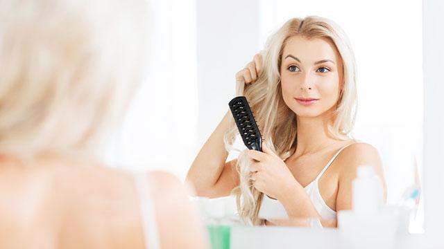 寝癖の原因って?寝癖がつきやすい髪質とつきにくくする方法とは