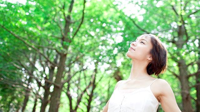 正しい腹式呼吸のやり方~自律神経のバランスを整える&リラックス効果も