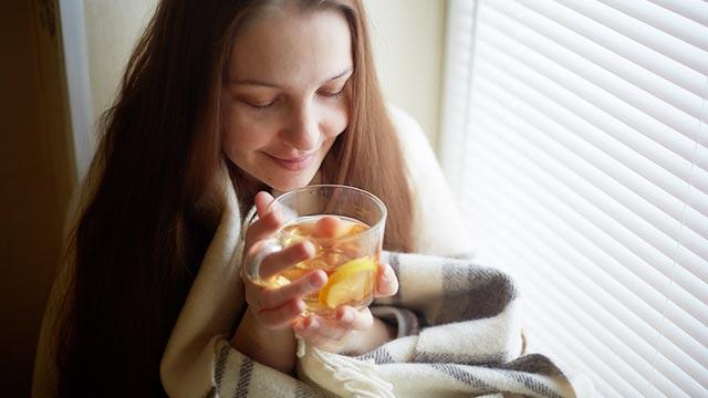 朝起きられない女性必見!スッキリ目覚める「レモン」の秘密