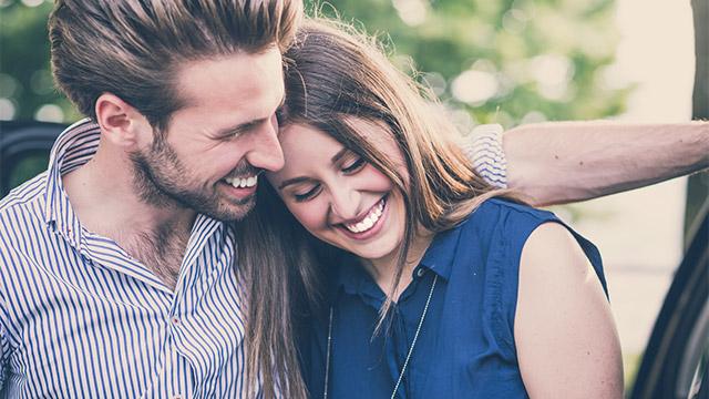 一目惚れきっかけの恋愛は結婚しやすい!?その理由と心理メカニズムとは?