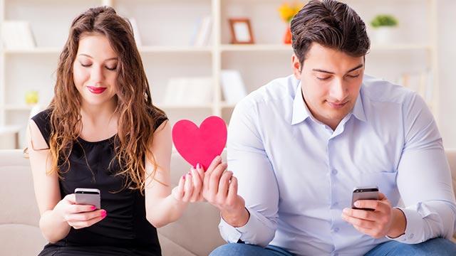これが出来ればモテ女子に!男性が惚れるメールテクニック