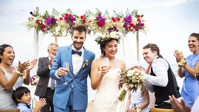 結婚式に異性の友達を招待するのは賛否両論!?招待する際の気の遣い方