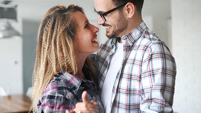 ネットで出会った男性と恋愛に発展したきっかけって?始め方と気をつけるべきこと