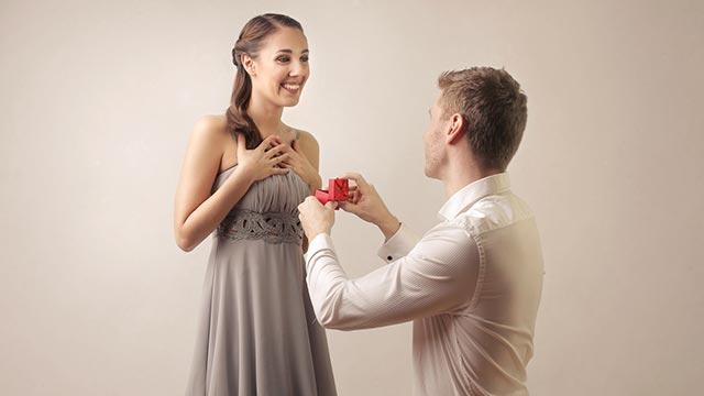 恋愛と結婚は別物だと思う?バージンロードまでの理想と現実