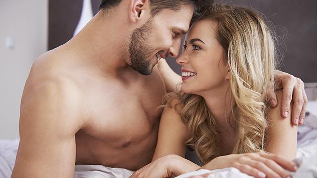 性にまつわる都市伝説って?研究者たちが最新の科学研究に基づき調査