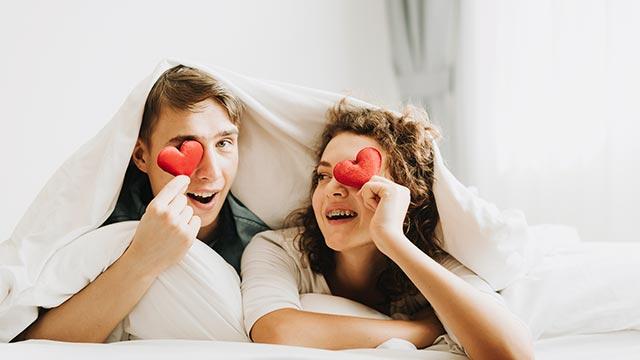 結婚後もラブラブ!「セックスレス」とは無縁な夫婦から学ぶきっかけ作り